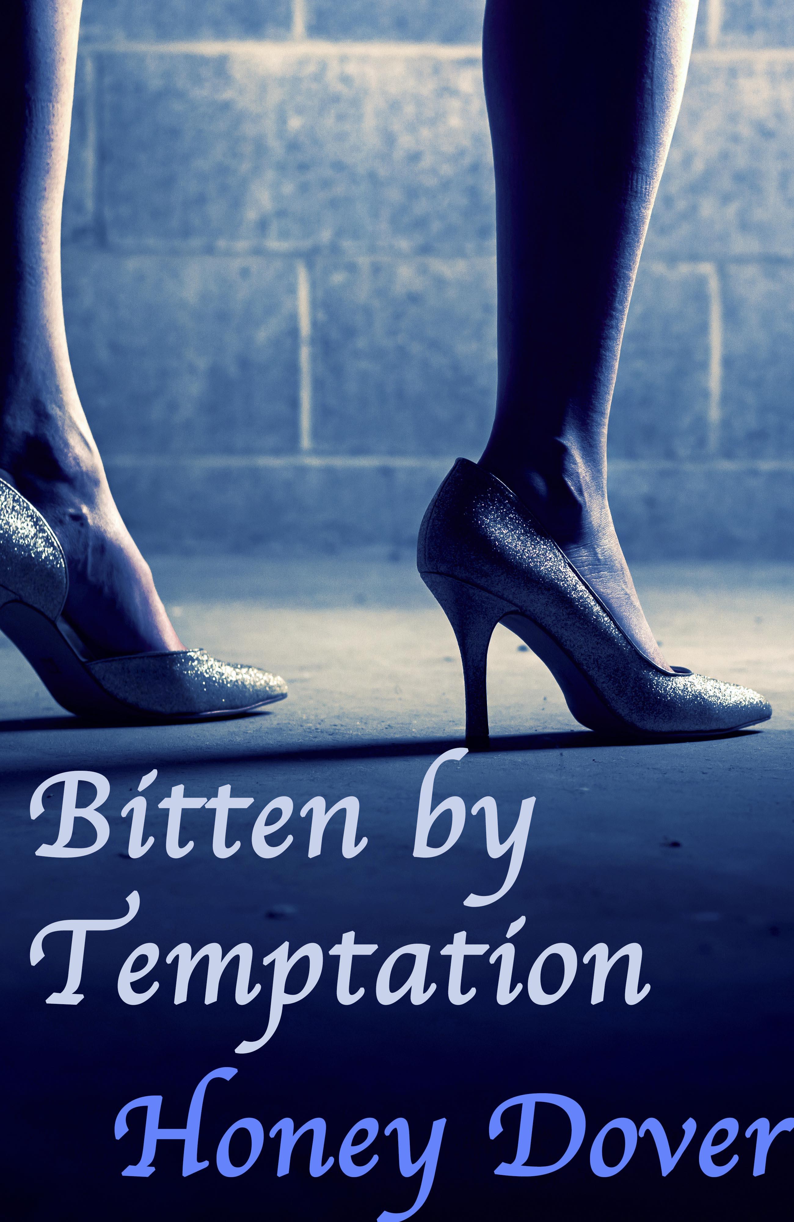 Bitten by Temptation (Lesbian Vampire Erotica)